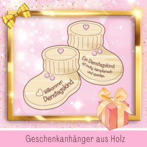Geburtsgeschenke Personalisiert - Geschenkanhänger Babyschuhe Dienstagskind