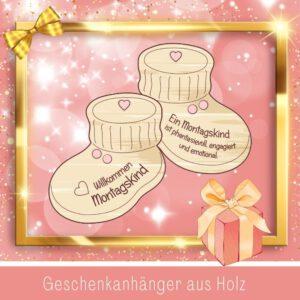 Personalisiertes Baby Geschenk - Geschenkanhänger Babyschuhe Montagskind